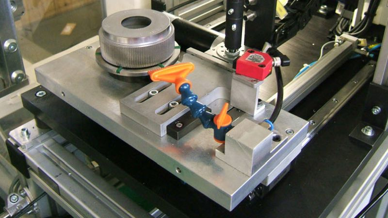Component and assembly faults detected by Simcenter Anovis systems installed at test benches