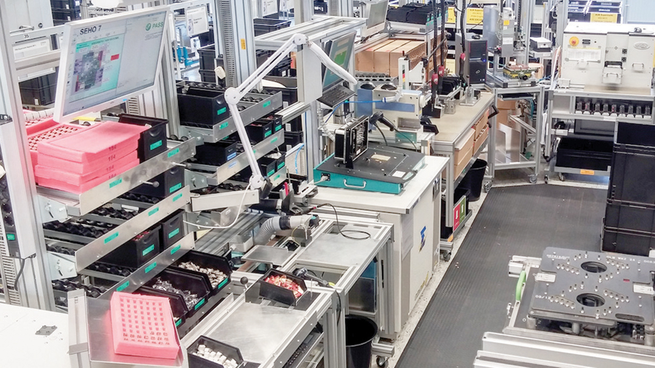 Electronics manufacturer controls its production with plant simulation