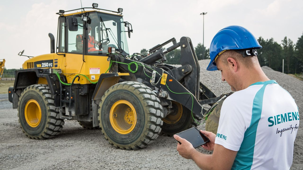 Simcenter simulation and testing solutions for heavy equipment engineering